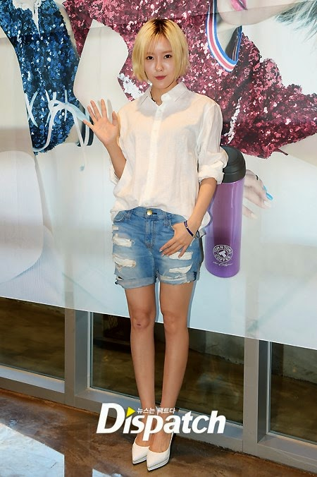 hyomin signing event tom n toms (3)